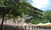 Gornji grad autohtona kuća 470 m2 s vrtom 460 m2